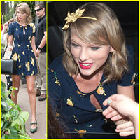 Taylor Swift Celebrates Earth Day With Flowers & Books